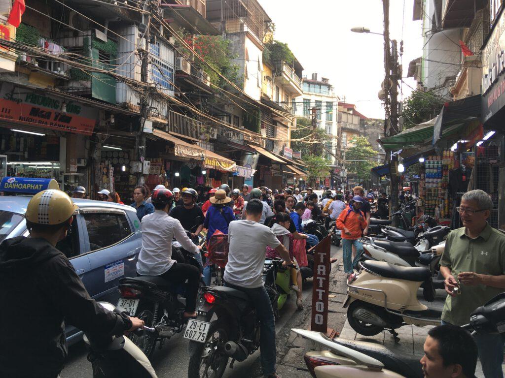 Hodně lidí v Hanoji